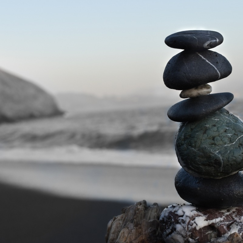 stacked-rocks-near-ocean